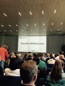 Rund 100 Teilnehmer aus dem Sport und der Psychologie waren im Grillhof in Igls dabei! © privat
