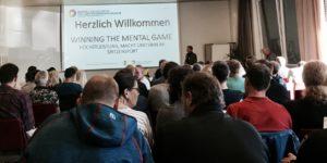 DDr. Christopher Willis eröffnete das jährliche Zusammentreffen von Psychologen, Sportpsychologen, Trainern und Athleten mit spannenden Inputs. © privat